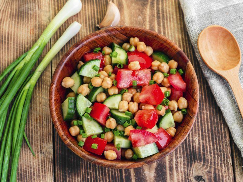 Salad cà chua thích hợp cho chế độ ăn kiêng giảm cân
