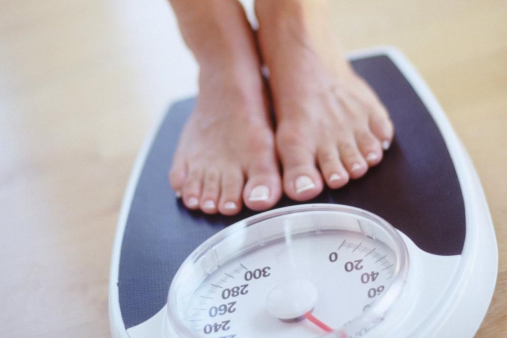Mẹ nên kiểm soát cân nặng trong quá trình mang thai