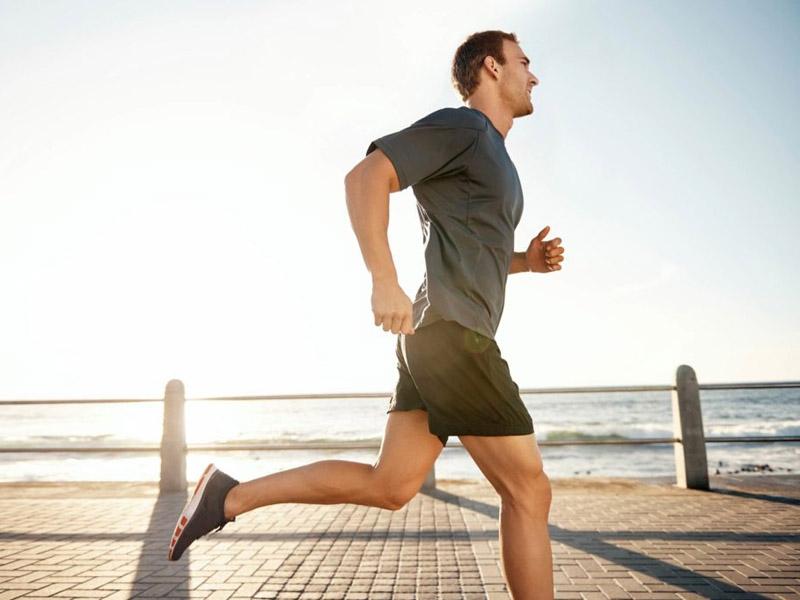 Dù ở độ tuổi nào chúng ta cũng cần chăm vận động, sống lành mạnh