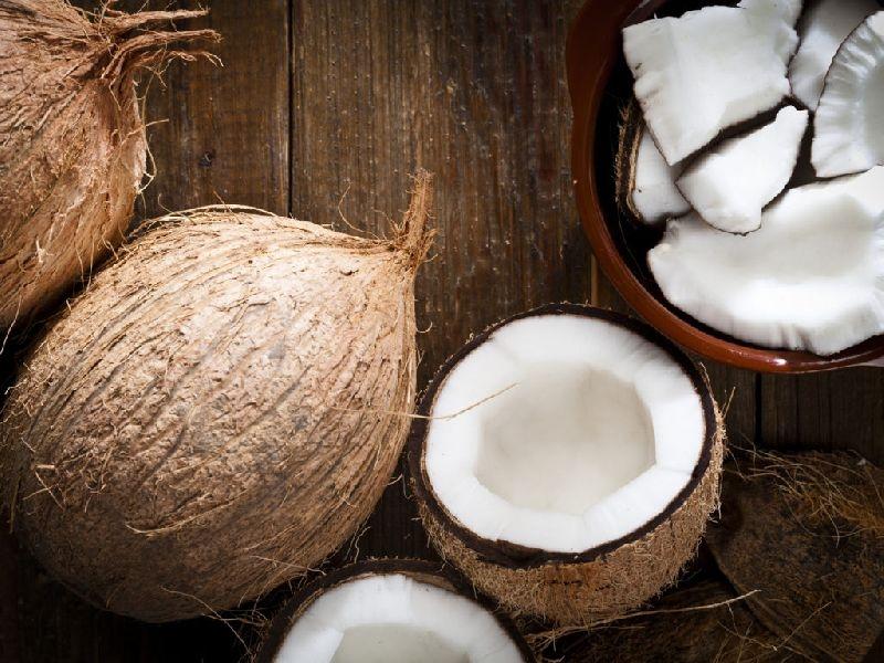 Nước dừa tốt cho người đang bị viêm dạ dày