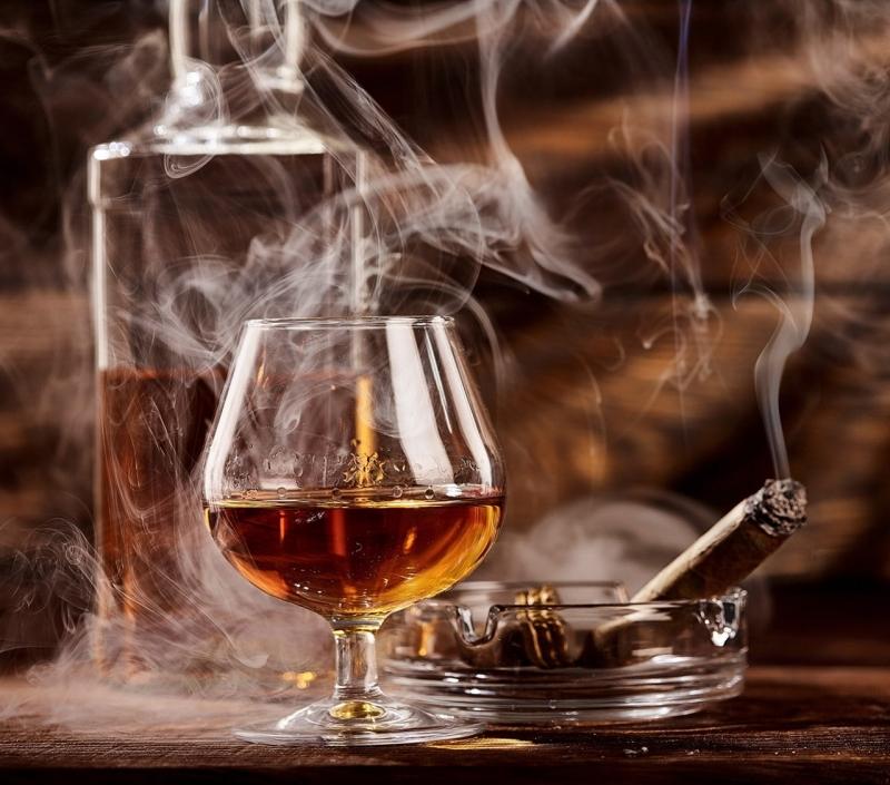 Nên tránh xa rượu, thuốc lá và các chất kích thích