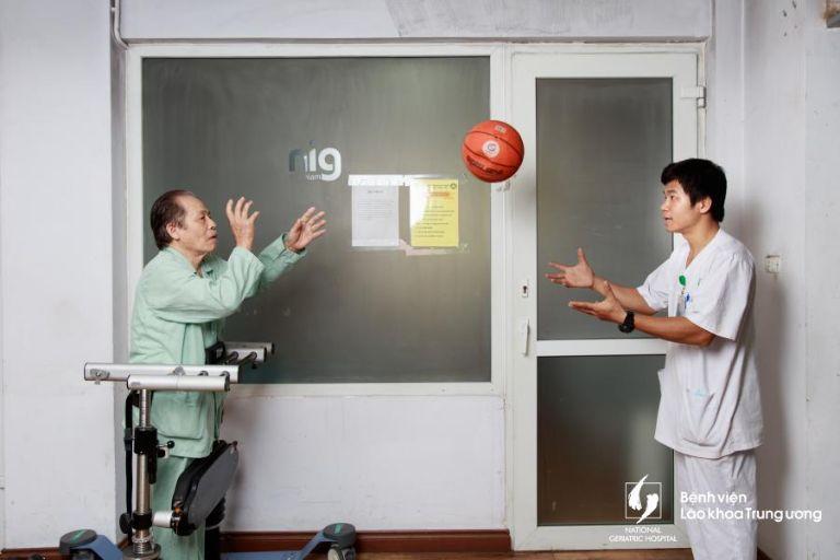 Bệnh viện Lão khoa Trung Ương - Khoa Phục hồi chức năng